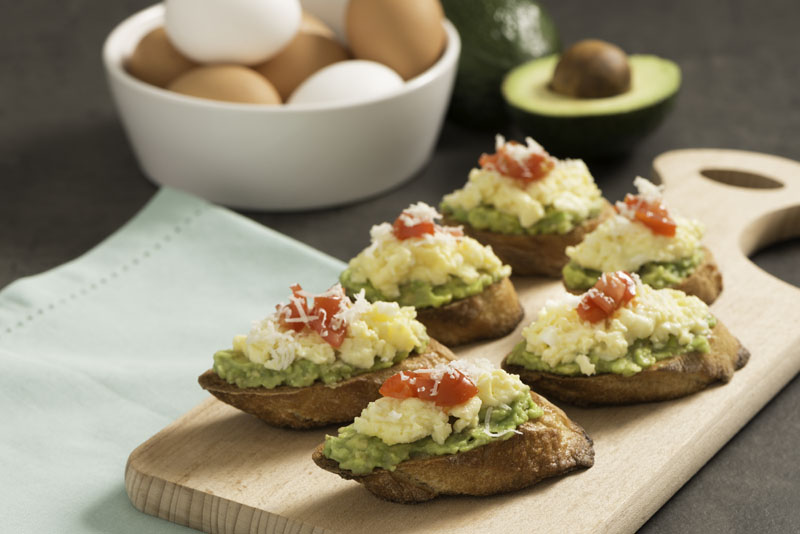 EGG AND AVOCADO CROSTINI