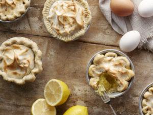 Mini-Lemon-Meringue-Pie-550x413